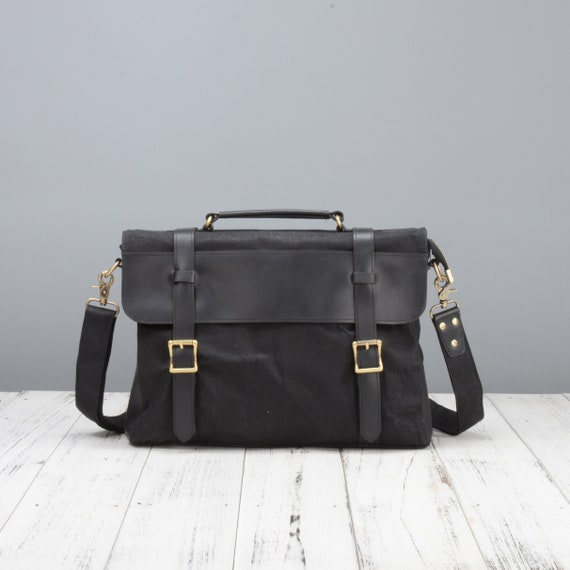 c845e251f5 Waxed canvas shoulder bag with DSLR camera sleeve