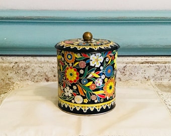 Tin, Daher collectible lidded storage container made in england