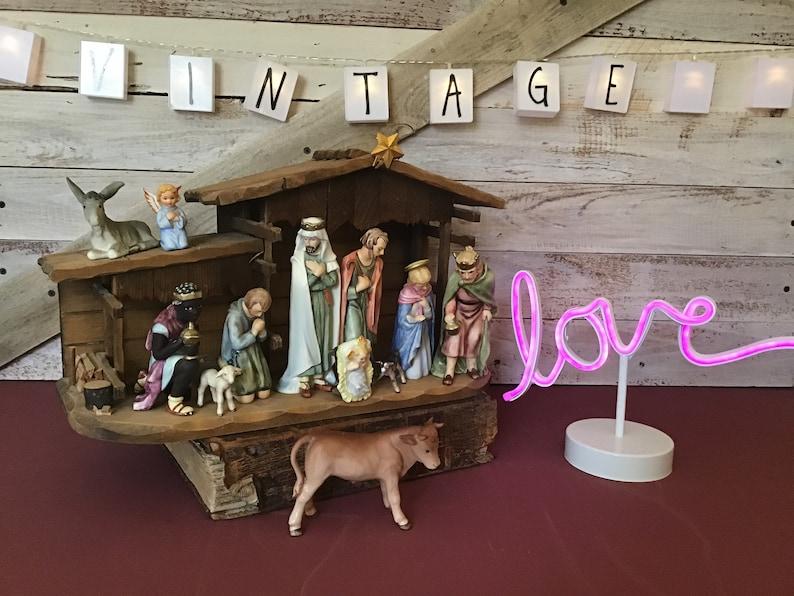Goebel W Germany 13 piece Hummel nativity set holiday decor with Morrish king