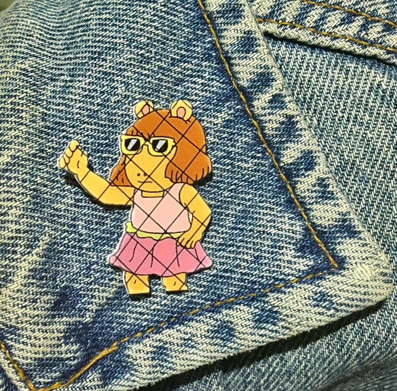 D W  Arthur fence meme pin or fridge magnet!!