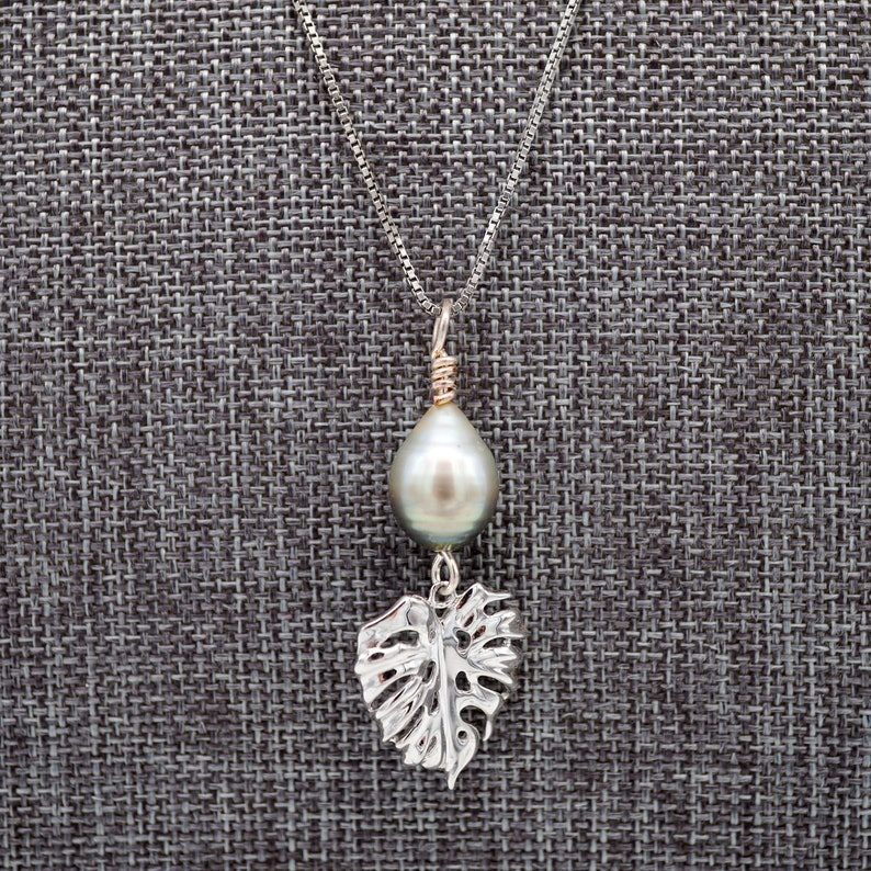 Monstera Leaf Necklace Pearl Necklace Tropical Inspired image 0
