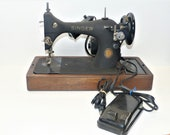 1951 Singer Centennial 128 Sewing Machine w Case Tested-Working