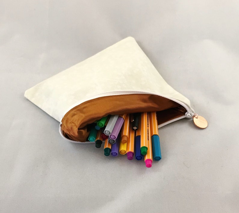 7.5 x 6.5 multipurpose pouchmake-up bagpencil holder