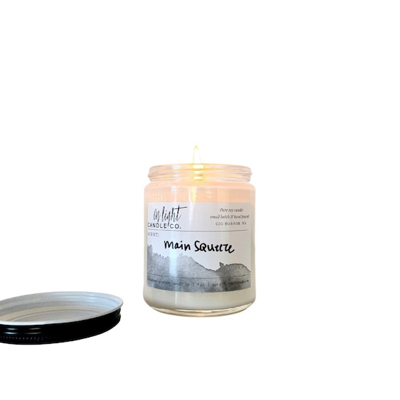 Main Squeeze (grapefruit) - 8 oz pure soy hand poured candle