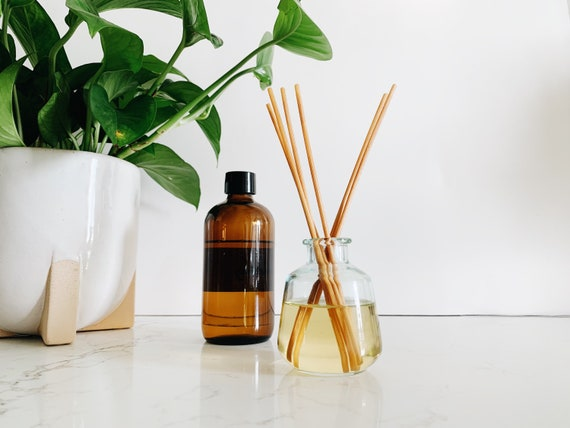 Reed Diffuser + Recycled Glass Vessel {gift it or keep it, make your reed diffuser pretty for any room}