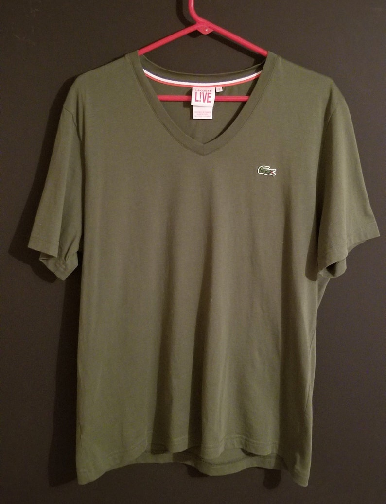 d405c89ee9 SPECTACULAR TEE! XL Men's Lacoste Live T-Shirt Olive Green Excellent  Condition V-Neck