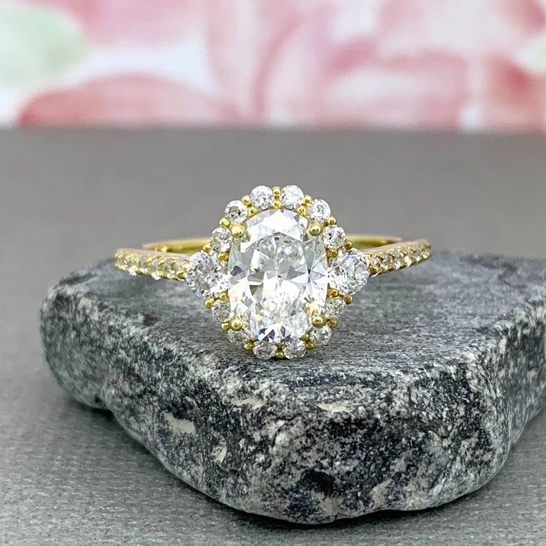 Yellow Gold Oval Diamond Simulated Art Deco Engagement Ring Sterling Silver Diamond Simulated Women/'s Promise Engagement Ring