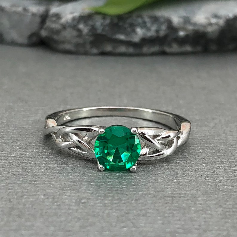 Round Colombian Emerald Celtic Ring Round Lab Emerald Celtic Ring Trinity Celtic Ring 925 Sterling Silver Solitaire Promise Engagement Ring