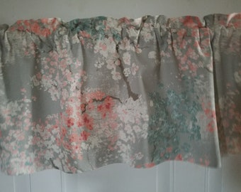 English Country Cottage Floral Valance In Gray Cream Peach