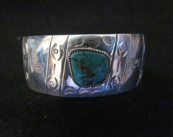 South Western Style Sterling Silver Hand Stamped Dome Bracelet set with Kingman Turquoise (SZ Large)