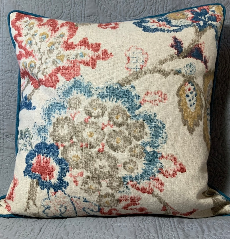 Decorator throw pillow cover Holter Classic large floral blue image 0