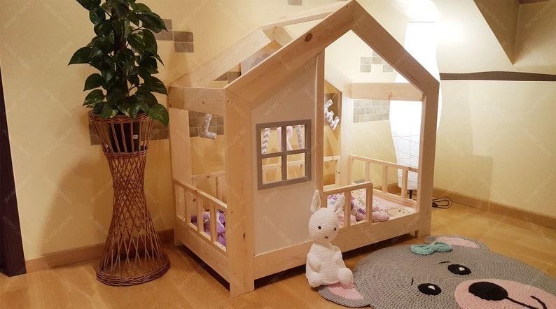 Lit cabane fille maison au sol