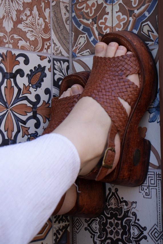 70s leather wooden clogs