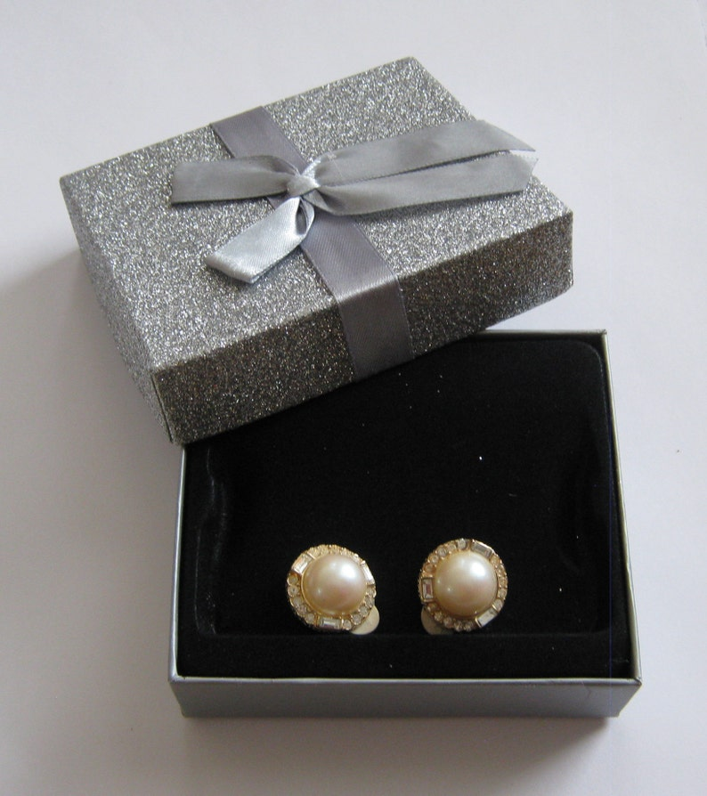 Nina Ricci small Pearl Earrings surrounded by Austrian crystals Vintage