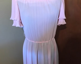 b299bd3b581 1980s Boston Maid Pale Pink Dress