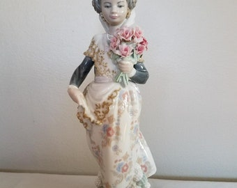Beautiful Lladro Girl with Flowers
