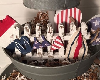 4th of July Fence Vignettes