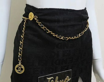 b3d5f149fa95a5 Chanel CC Logo Gold Chain Belt Black Leather 1984 Vintage