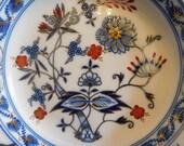 Meissen - Dish-Royales onion pattern - Porcelain