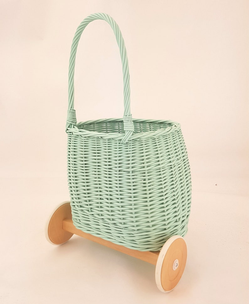 Ecological paint Polish product Wiklibox Pully toys basket with handle in GREEN color on wooden wheels
