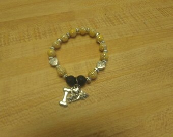 Beaded bracelet with lava beads for essential oils