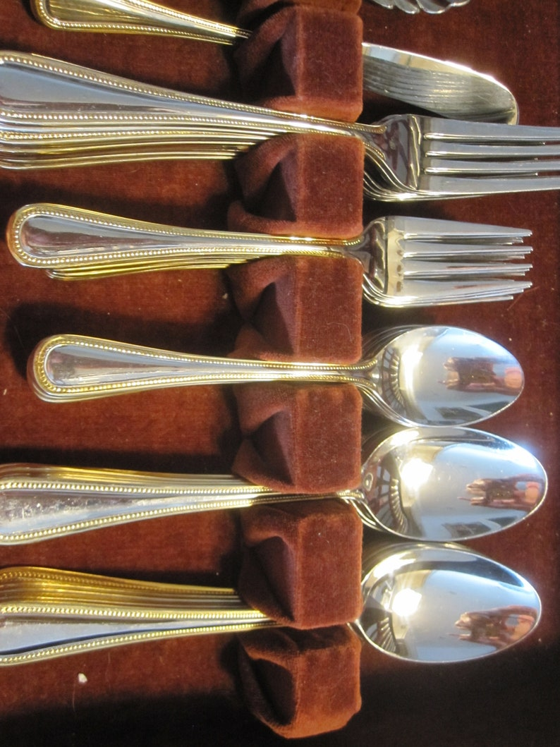 Wallace REGAL PEARL 18/10 Stainless 64 pièces - Service pour 12  Garniture de perles d'or  vintage