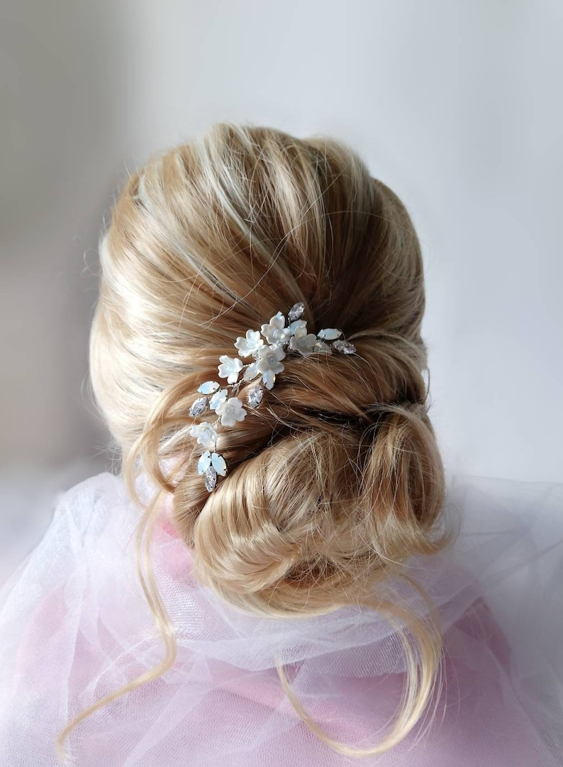 Floral hair pin with opal crystal Bridal bobby pins Gift for maid of honor or bridesmaid Hair pin for wedding engagement party prom