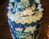Antique Chinese Famille Rose Crane lamp Chinese porcelain vase lamp. Table lamp Foo lion
