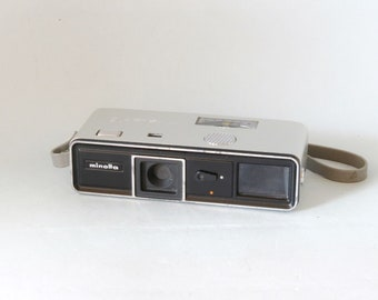 Miniature camera minolta 16 model p camera micro image 16mm film (k1281) k1374