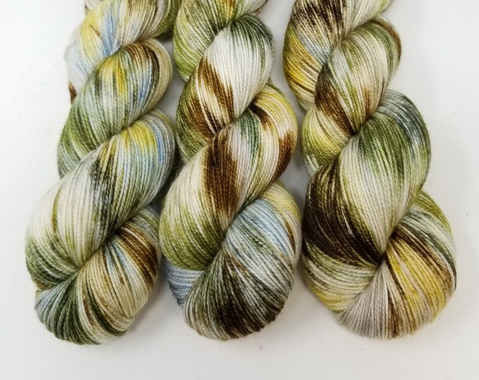 'Cattails' sock yarn