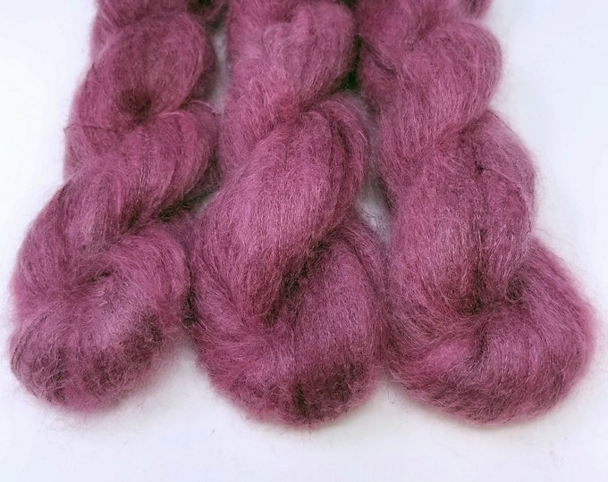 'Plum Cloud' lace weight yarn