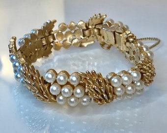 Vintage Trifari Elegant Gold Tone Faux Pearl Bracelet