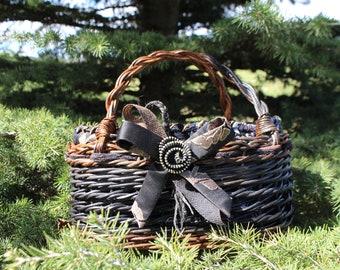 Wicker Bag Wicker Basket & vintage hand fabric//wicker and clothing hangbag Basket Vintage