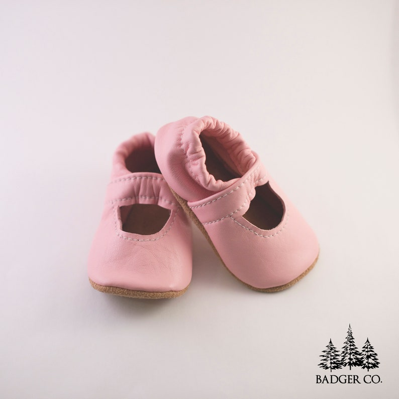 09f7c80ed0ded HANDMADE, Mary Jane Baby Shoes, Soft Sole Shoes, Baby Shoes, Leather baby  shoes, pink mary janes, pink soft sole moccs