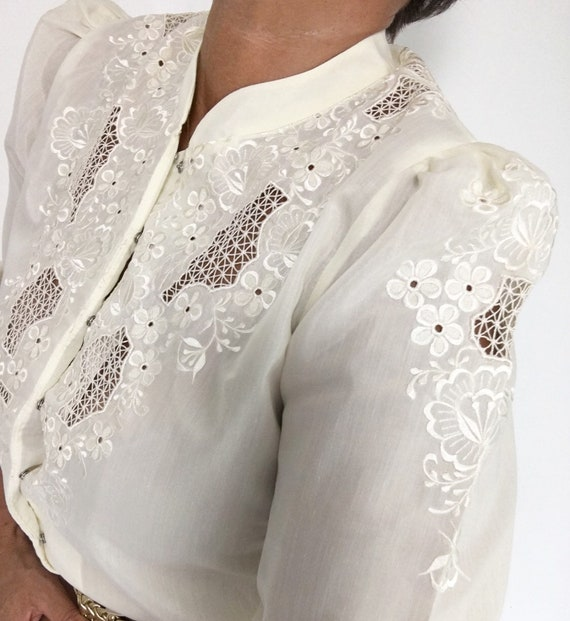 Amazing Vintage 70s Eyelet Lace Floral Embroidere… - image 8