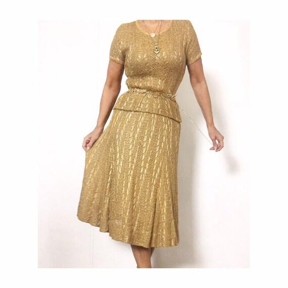 Vintage 50s Feminine Golden Bronze Tone Crochet Kn