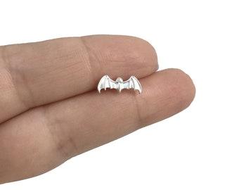 Single Bat stud earring in Sterling silver, Bat earring, Cartilage stud, Cartilage earring, Single stud, Small studs, Bat stud
