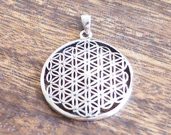 2 Flower of life pendants silver tone M940
