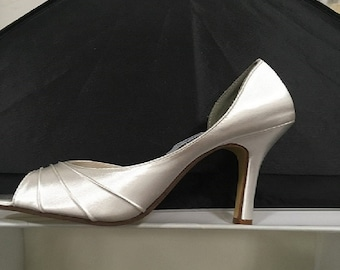 48f30b92822510 Dyeable Satin Wedding shoes
