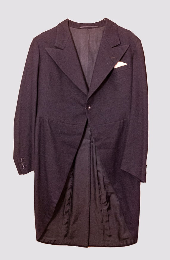 Tailcoat, shirt, vest, bow-tie