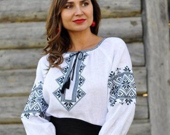 White floral vyshyvanka ethnic clothing Embroidered blouse Bohemian style romanian style blouse Ukrainian vyshyvanka hungarian blouse