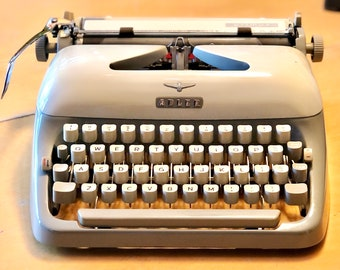 RARE 1959 ADLER PRIMUS, Working Manual Portable Typewriter