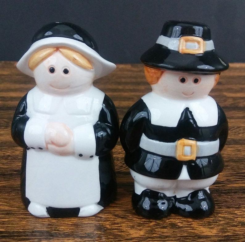 Puritans Pilgrims Figural Salt & Pepper Shakers Thanksgiving Hand Painted  Ceramic Vintage Taiwan Original Box