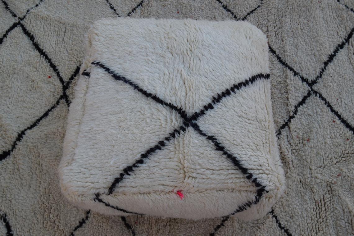 Handmade poufs Beni ourain footsool moroccan pouf Home chair pouf Square design  Berber pouf Embroidered Moroccan pouf, home decor pouf