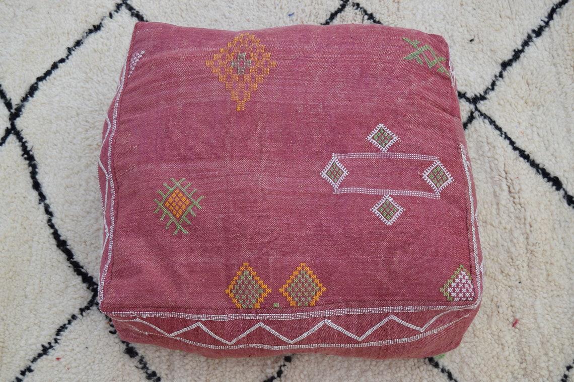 Decorative pouf Handmade Vintage poufs Kilim pouf white Sabra Home decor Berber poufs Moroccan pouf Floor Pouffe Embroidered pouf