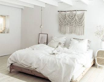 Linen bedding set. King or Queen size duvet cover and 2 pillow cases with button closure in off white cream