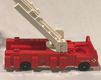 Vintage Fisher Price Little People #928 Fire Station Fire Truck SILVER - QUAKER Oats USA Rare