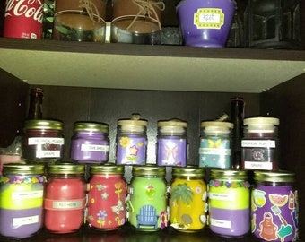 Handcrafted wide variety of scented parafin wax candles and waxmelts.