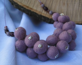 Felted Necklace, Purple Pink Beaded Necklace, Purple Pink Felt Necklace Felt Wool Jewelry Felt Necklace Eco-friendly Jewelry Textile Jewelry