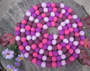 Felted Ball Necklace, Purple Felt Necklace, Felt Wool Jewelry, Felt Necklace, Eco-friendly Jewelry, Textile Jewelry, Long Beaded Necklace